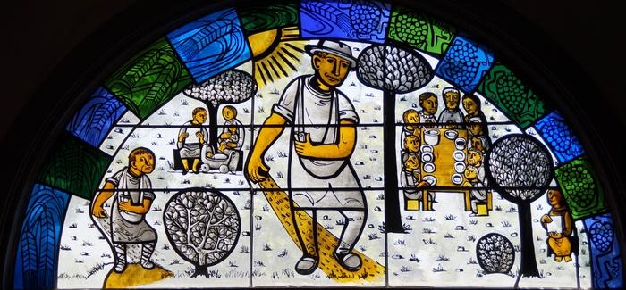 독일의 색유리작가 에기노 바이너트가 제작한 성당 유리화 중 하나로 씨 뿌리는 사람의 비유를 표현한 것이다.