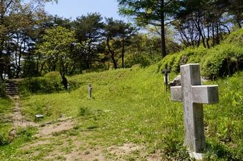 순교자 묘역의 조 가롤로 가족 묘.