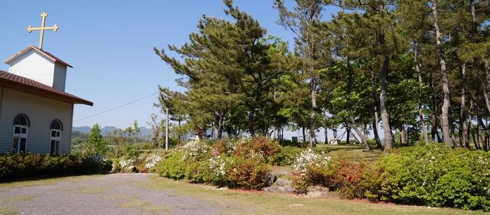사봉공소 옆마당, 야외제대 쪽에서 바라본 순교복자 묘역.
