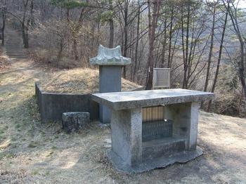 지세포리로 이장하기 전 옥포의 산중에 있었던 거제의 사도 윤봉문 요셉 순교자의 묘.