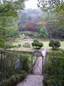 양지파인리조트 골프장 내에 위치한 골배마실 성지 전경.