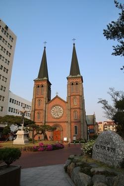 대구에 현존하는 1900년대 유일한 성당 건축물인 계산 성당은 1981년 사적 제290호로 지정되었다.