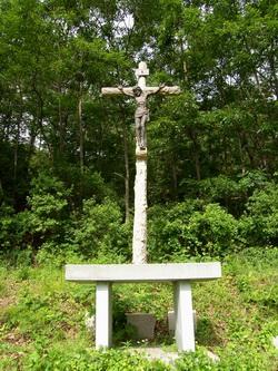 경상도 지방의 첫 신자 가정인 서광수의 4남인 서유도의 묘소 아래에는 대형 십자가와 야외제대가 준비되어 있다.