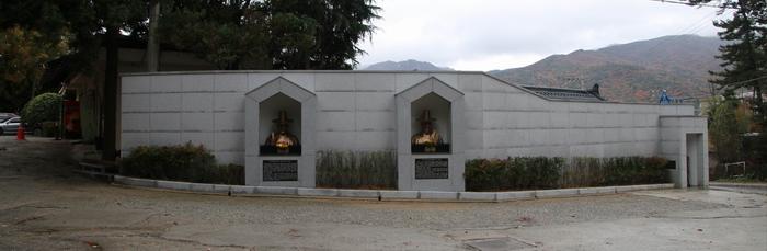오륜대 순교자 성지 입구에 설치된 순교복자 흉상.