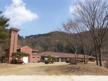 천호 피정의 집 전경.