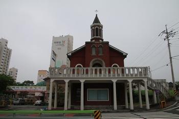2004년 근대문화유산 등록문화재 제117호로 지정된 옛 성당.