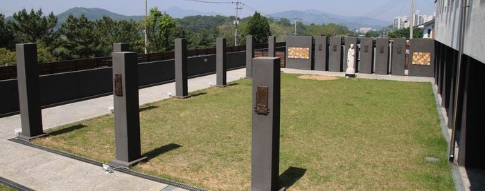 인천교구 50주년 기념 영성센터의 십자가의 길.