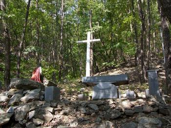 겟세마니 동산의 야외제대와 십자가.