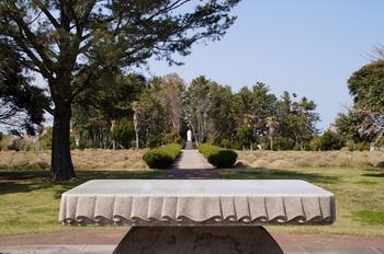 순교자 묘역 앞 야외제대에서 본 황사평 전경.