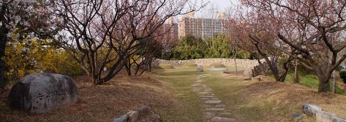 2011년 나주 순교자들을 현양하기 위해 현 대주교 기념관 맞은편에 순교자 묘원을 조성하였다.